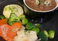Nog even een lekker stoofpotje als special voordat we weer naar beter weer gaan! Met heerlijke gezonde groenten! De vlees special van deze week!€ 19,50